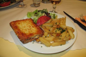 Croque-monsieur (grilled ham and cheese sandwich) and french fries