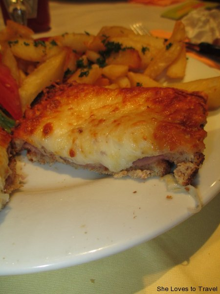 Croque-monsieur (grilled ham and cheese sandwich)