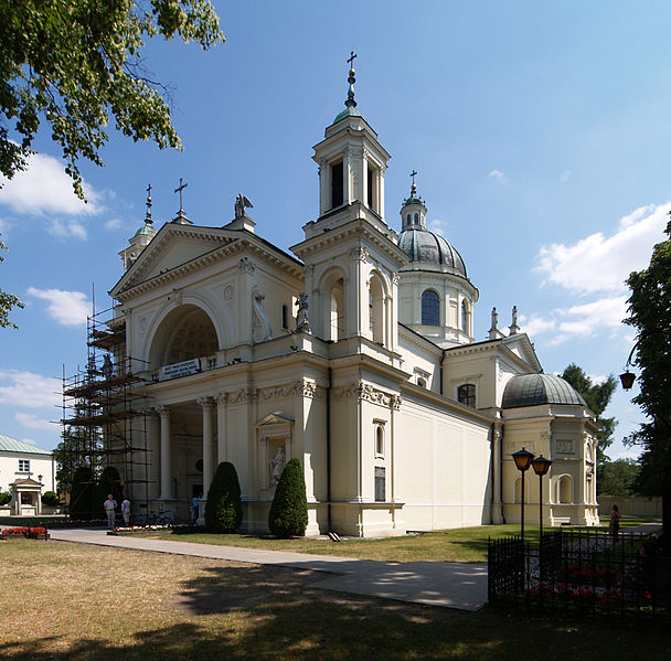 608px-Warsaw_Wilanow_St_Anne's_church
